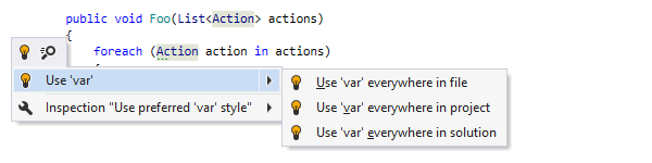 Replacing explicit type with 'var' keyword